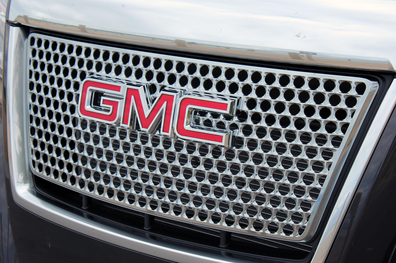 2013 GMC Terrain Denali Grill (Photo 7 of 16)