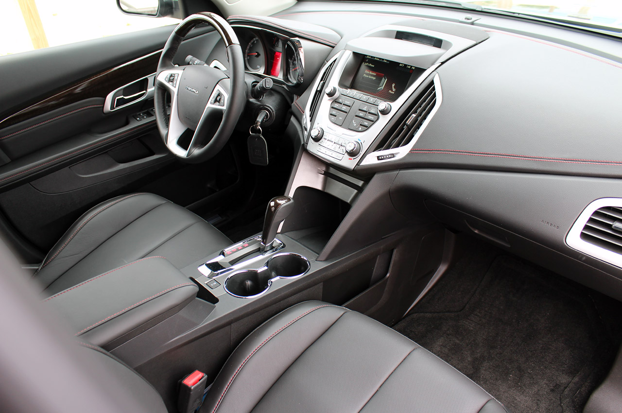 2013 GMC Terrain Denali Interior (Photo 10 of 16)