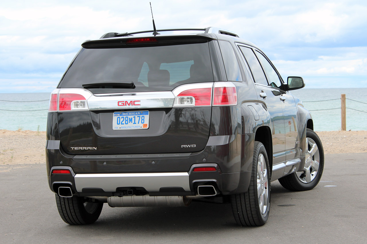 2013 GMC Terrain Denali Rear (Photo 12 of 16)