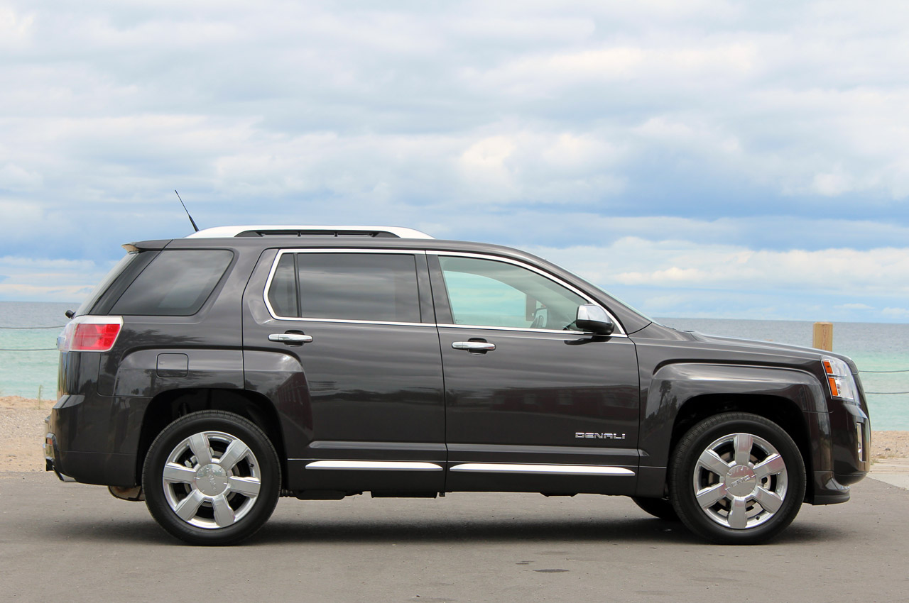 2013 GMC Terrain Denali Side (Photo 14 of 16)