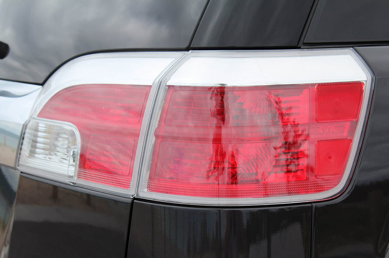 2013 GMC Terrain Denali Tail Lamp (Photo 15 of 16)
