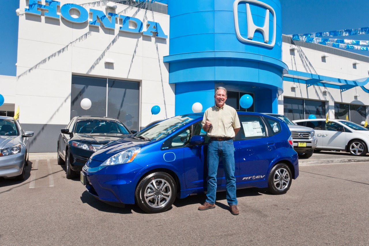 Featured Image of 2013 Honda Fit EV Delivered In California