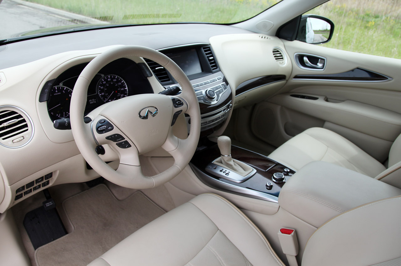 2013 Infiniti JX35 Interior (Photo 7 of 12)