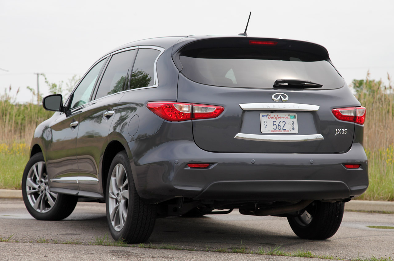 2013 Infiniti JX35 Rear (View 7 of 12)