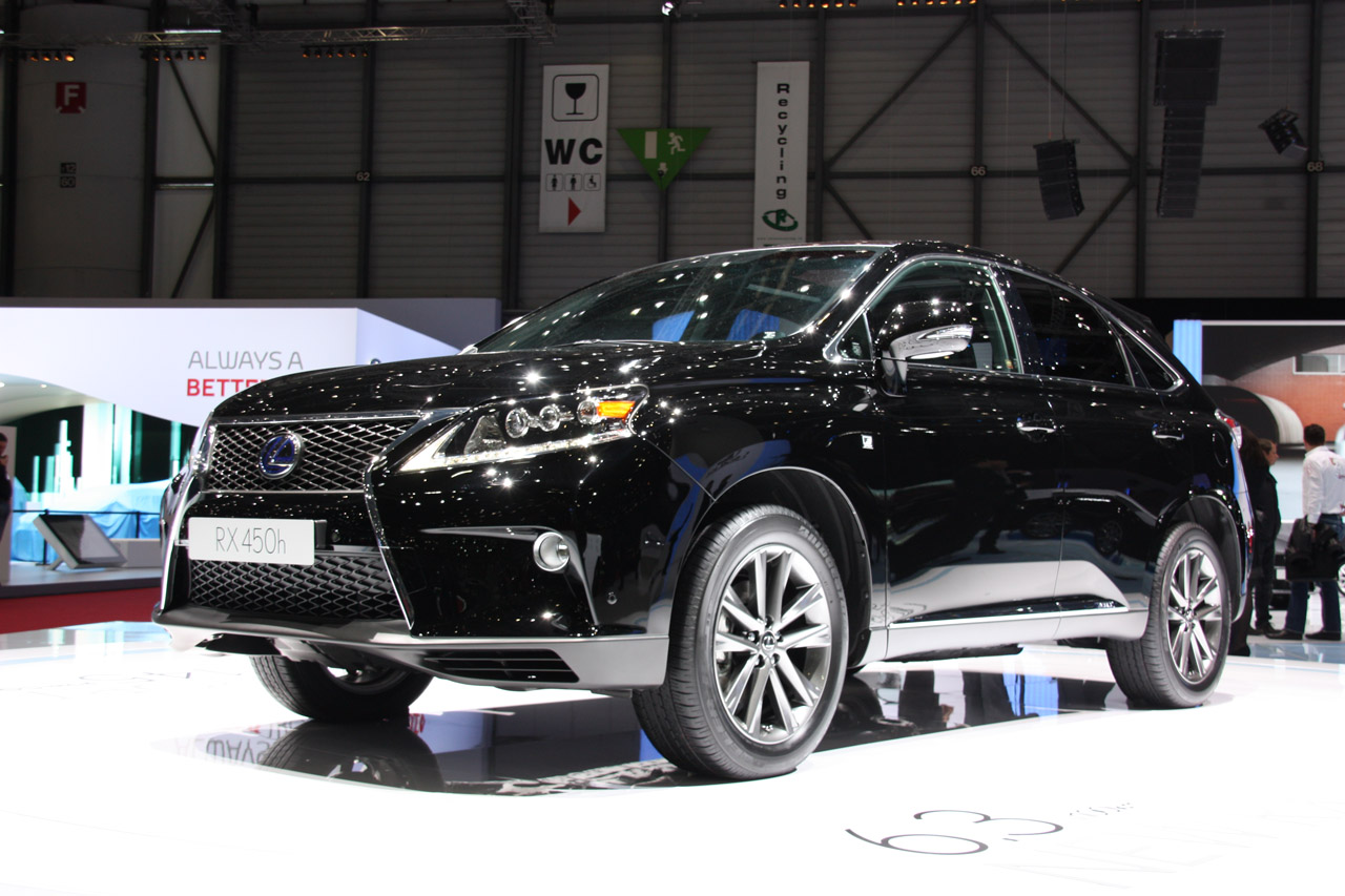 2013 Lexus RX Front Angle (View 2 of 9)