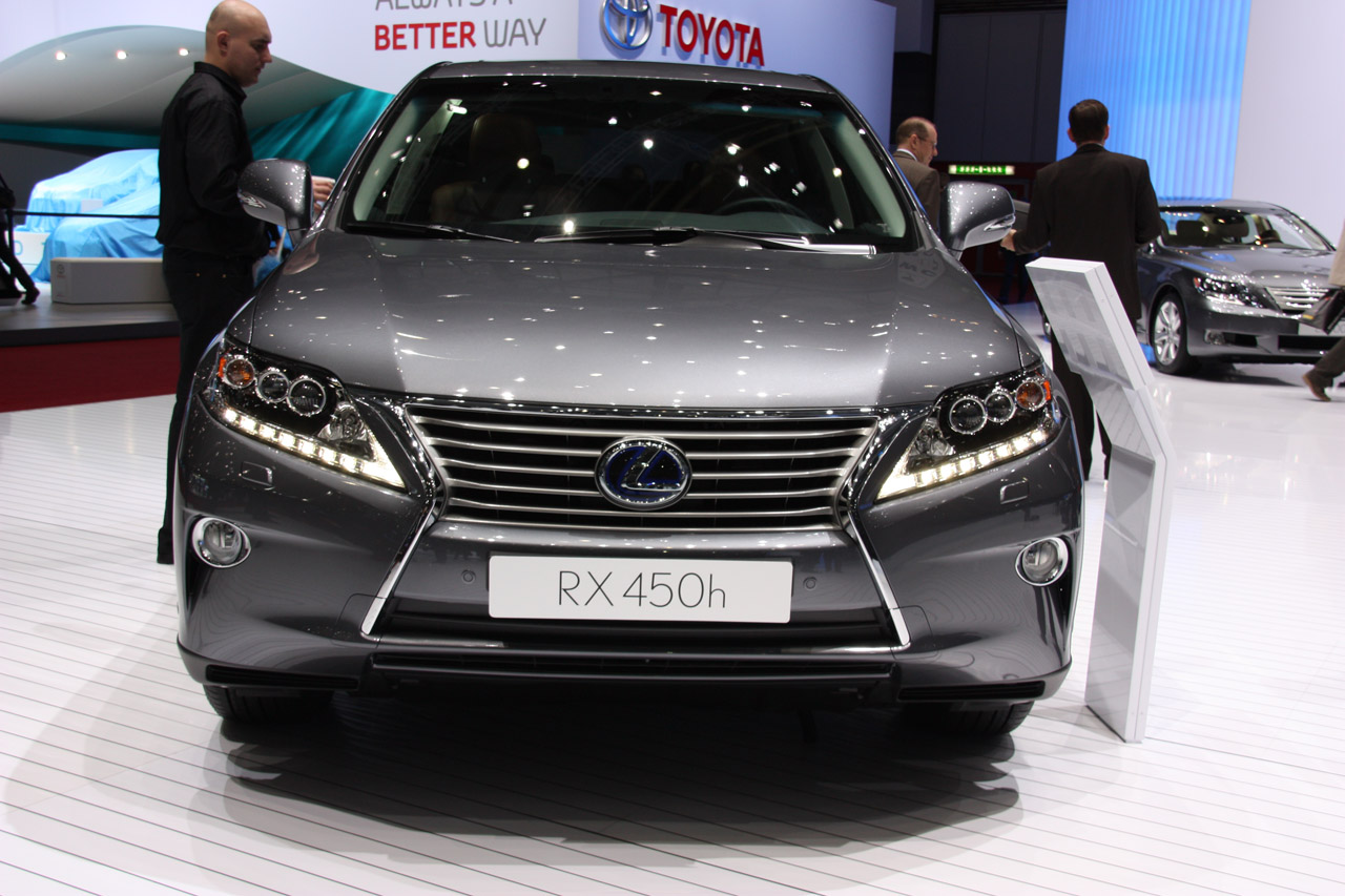 2013 Lexus RX Front (View 3 of 9)