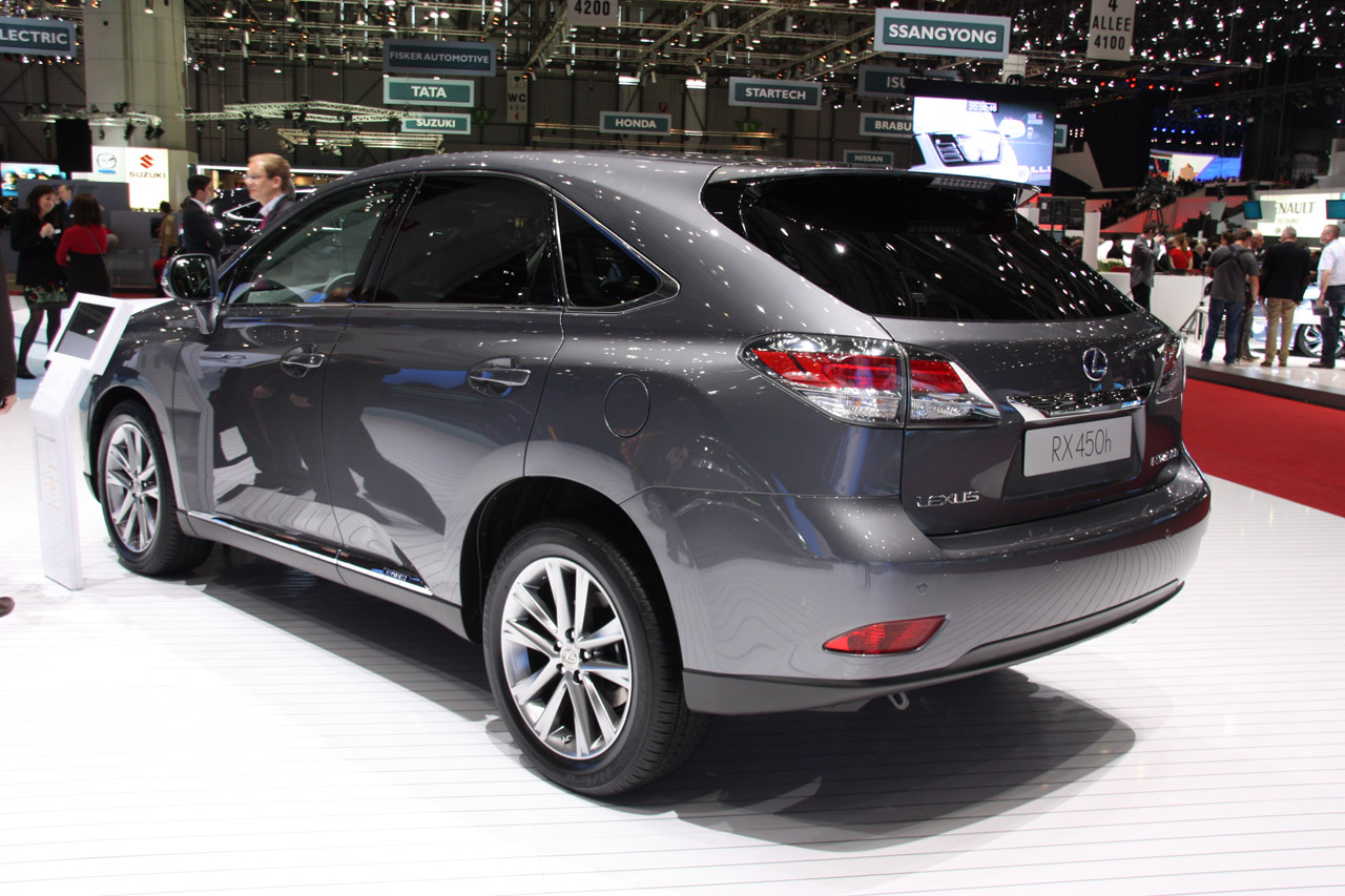 2013 Lexus RX Rear (View 6 of 9)