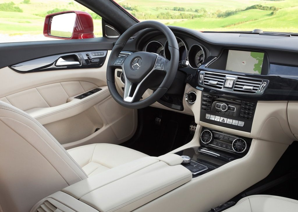 2013 Mercedes Benz CLS Shooting Brake Interior (Photo 10 of 18)