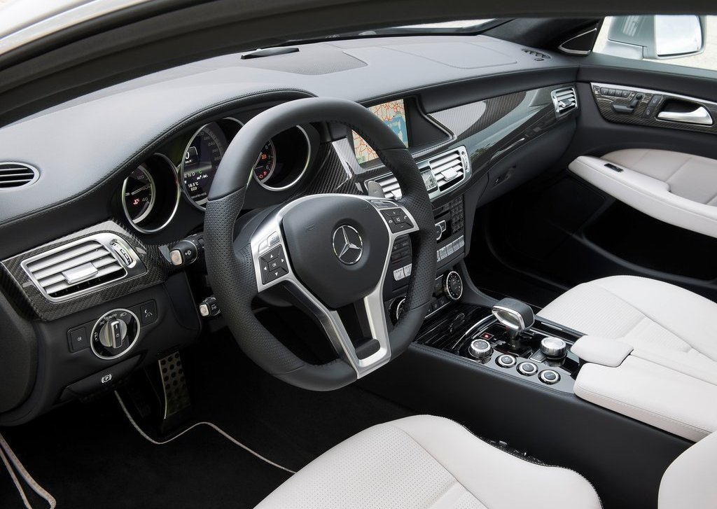 2013 Mercedes Benz CLS63 AMG Shooting Brake Interior (Photo 5 of 8)