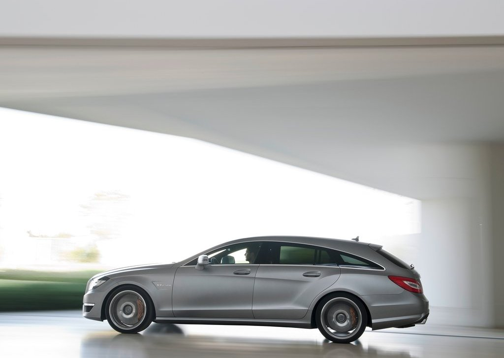 2013 Mercedes Benz CLS63 AMG Shooting Brake Side (Photo 7 of 8)