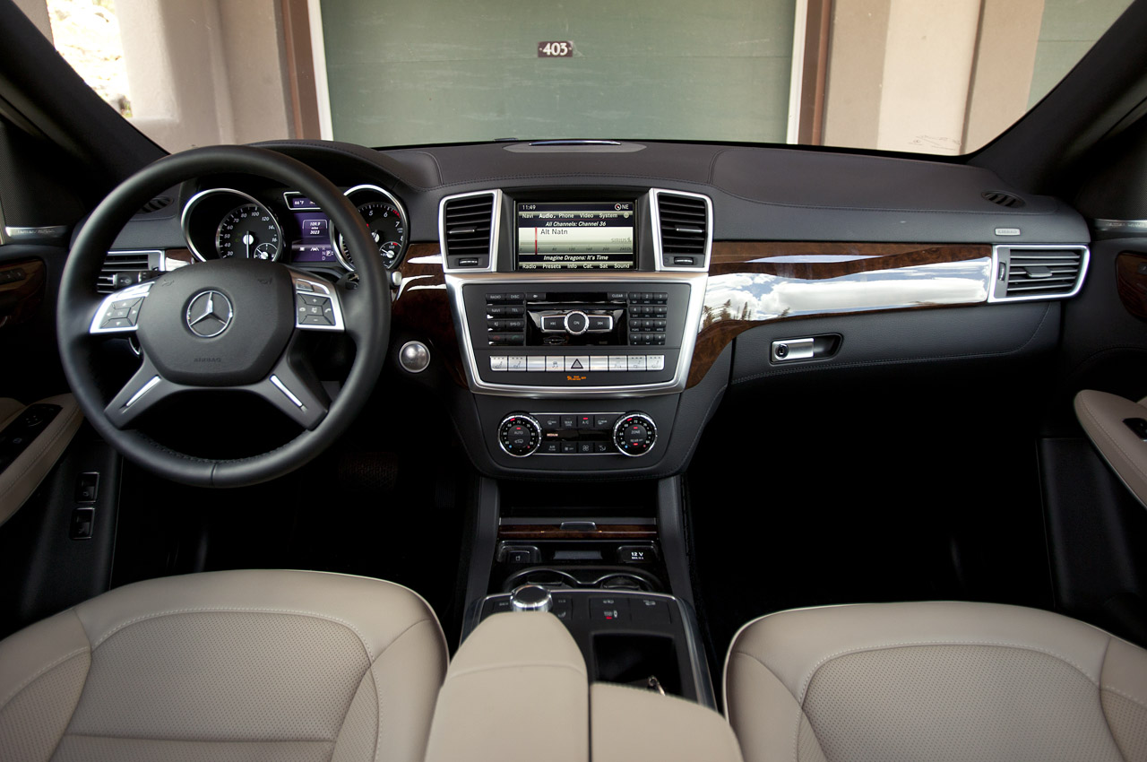 2013 Mercedes Benz GL450 Interior (Photo 7 of 13)