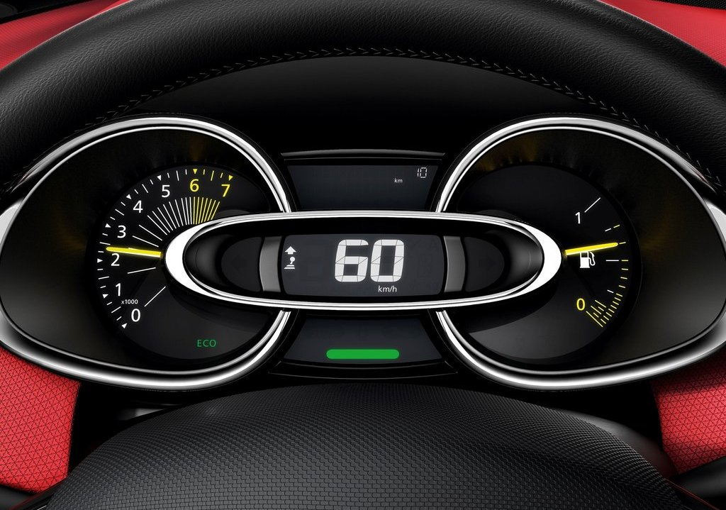 2013 Renault Clio Dashboard (Photo 3 of 16)