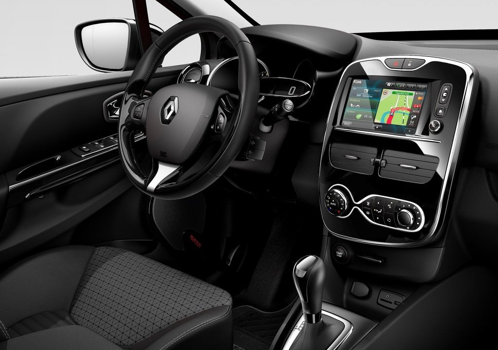 2013 Renault Clio Interior (Photo 9 of 16)