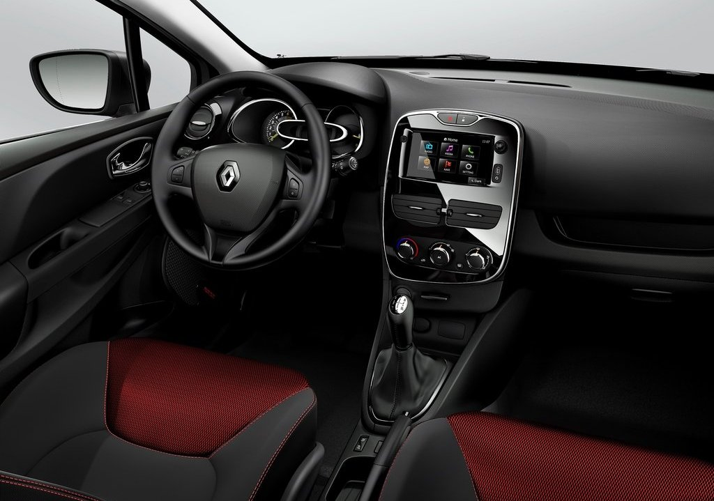 2013 Renault Clio Interior (Photo 12 of 16)