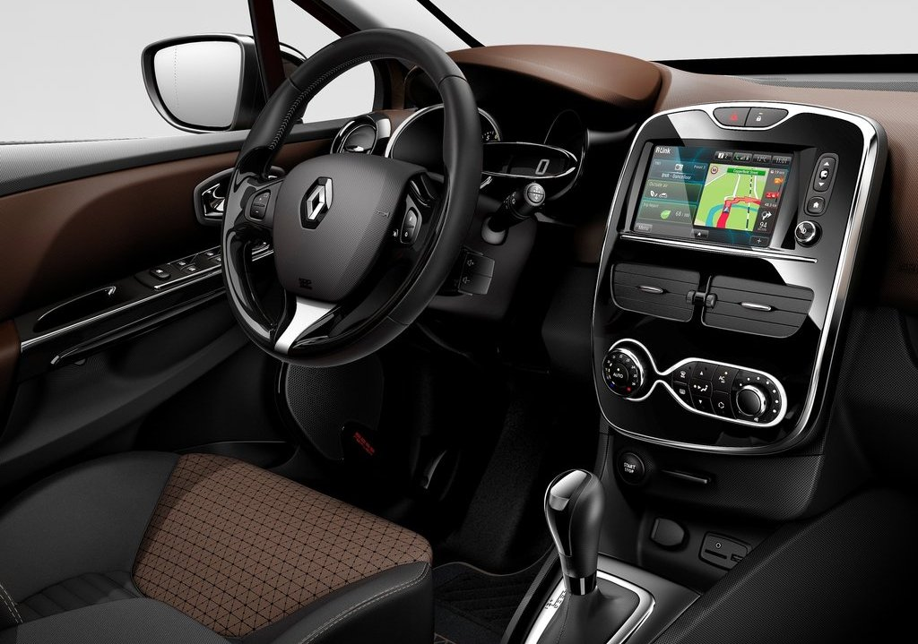 2013 Renault Clio Interior (Photo 13 of 16)