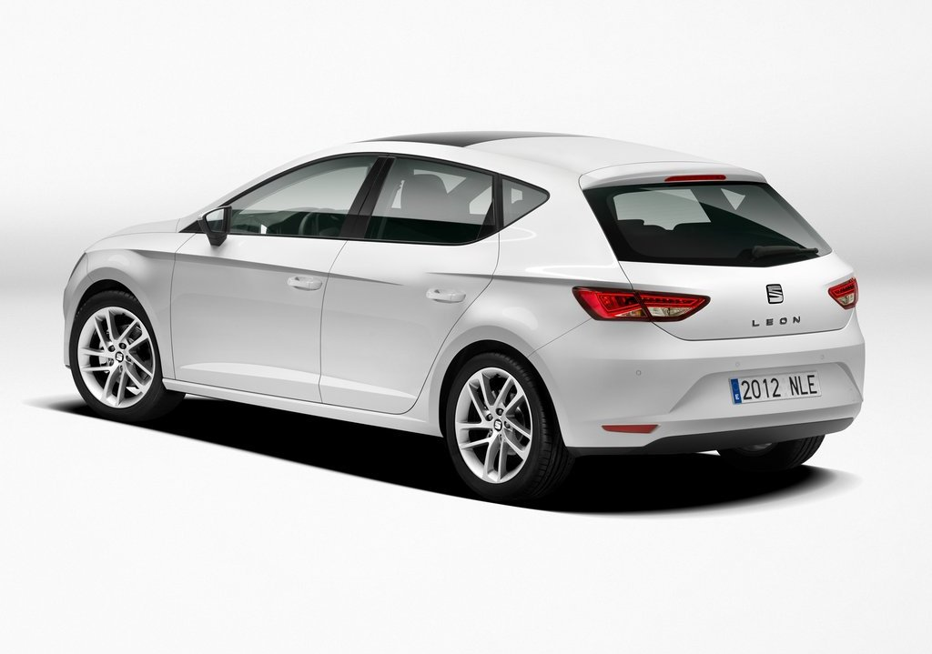 2013 Seat Leon Rear Angle (Photo 7 of 10)