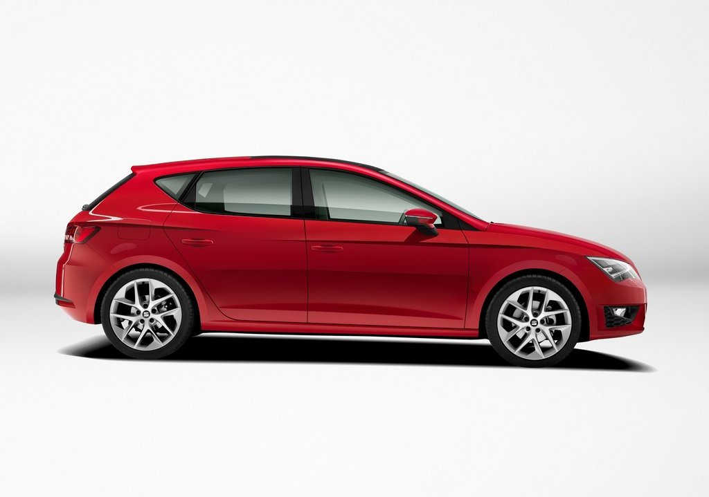 2013 Seat Leon Side (Photo 8 of 10)