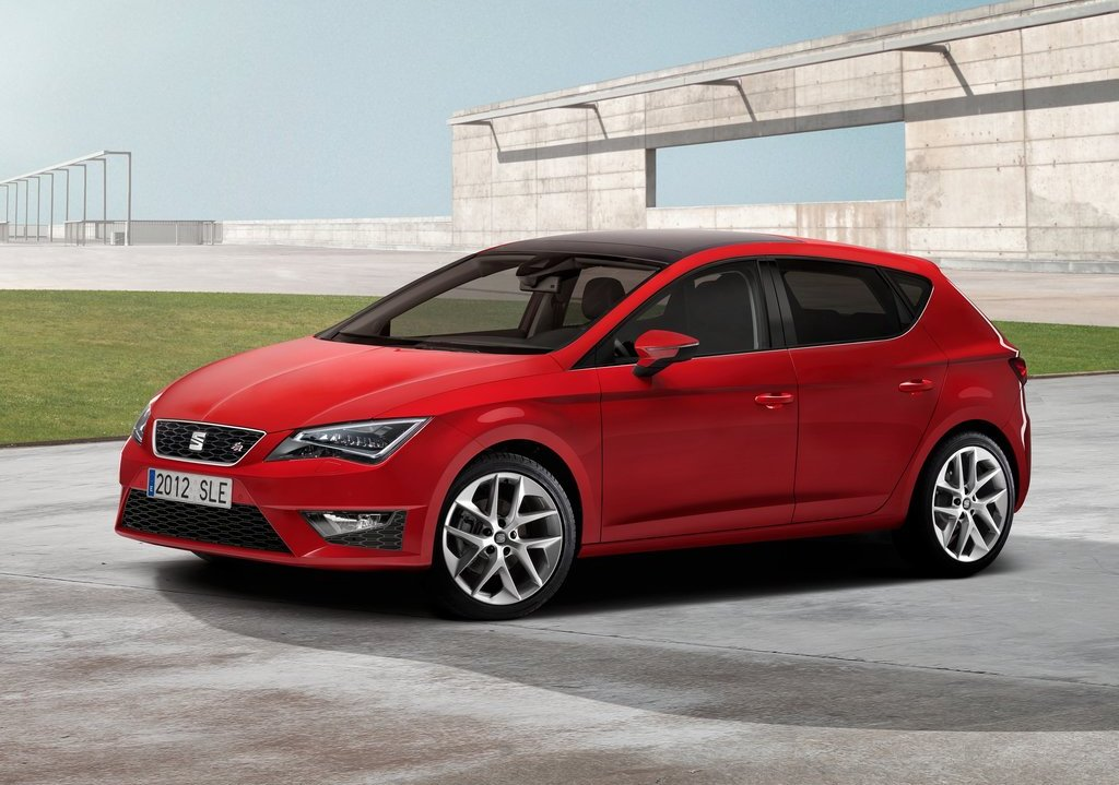 Featured Image of 2013 Seat Leon At Paris Motor Show
