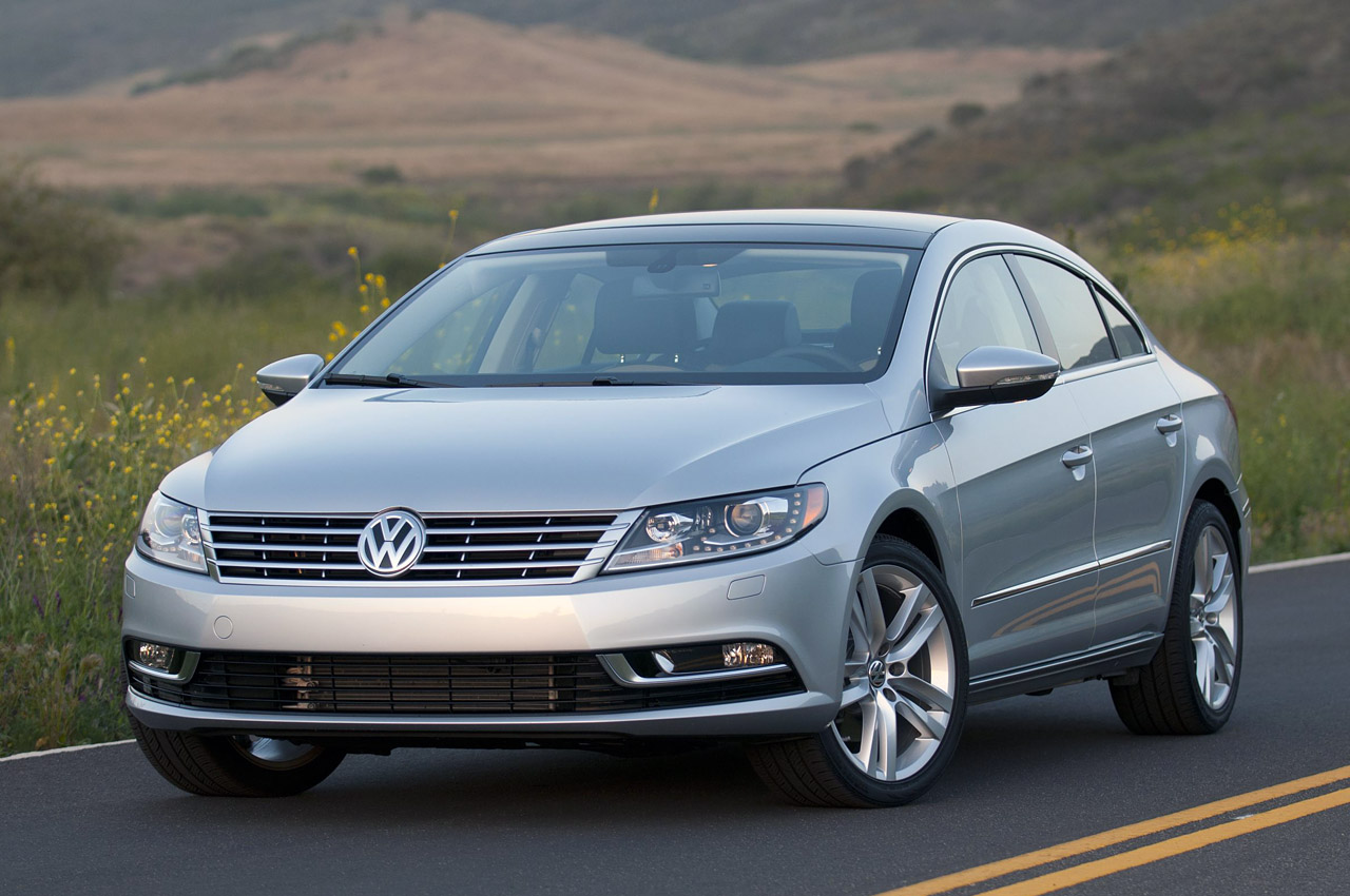 2013 Volkswagen CC Front Angle (Photo 5 of 14)