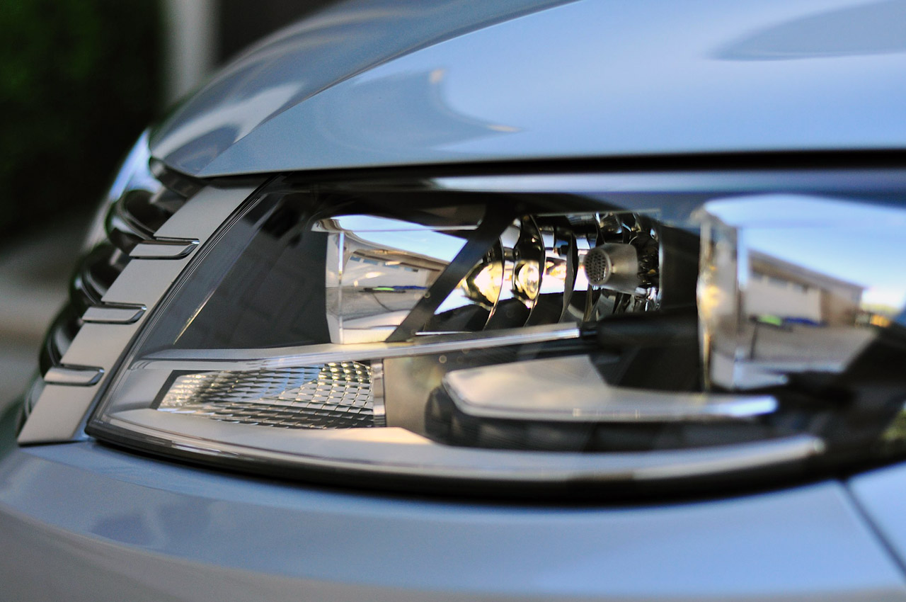2013 Volkswagen CC Head Lamp (Photo 6 of 14)