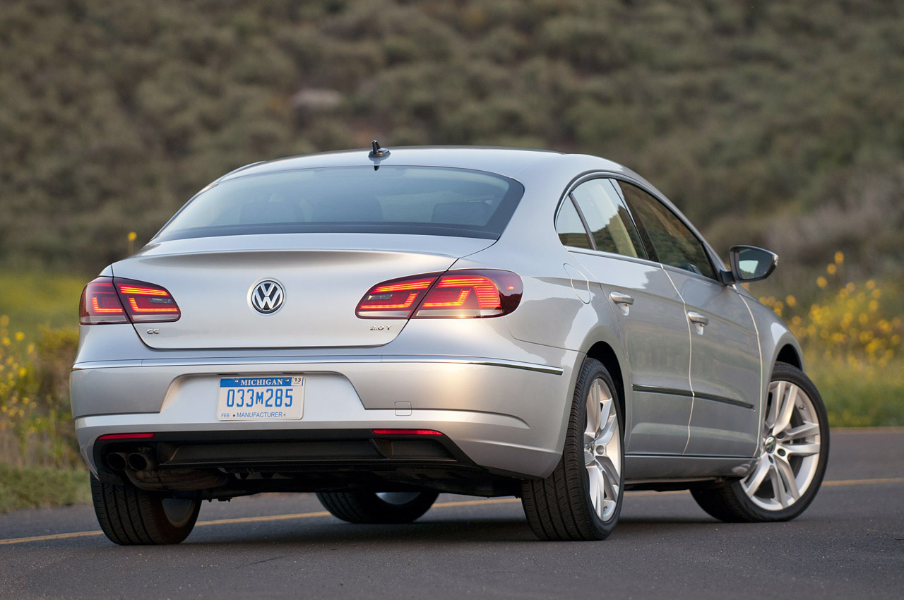 2013 Volkswagen CC Rear Angle (Photo 10 of 14)