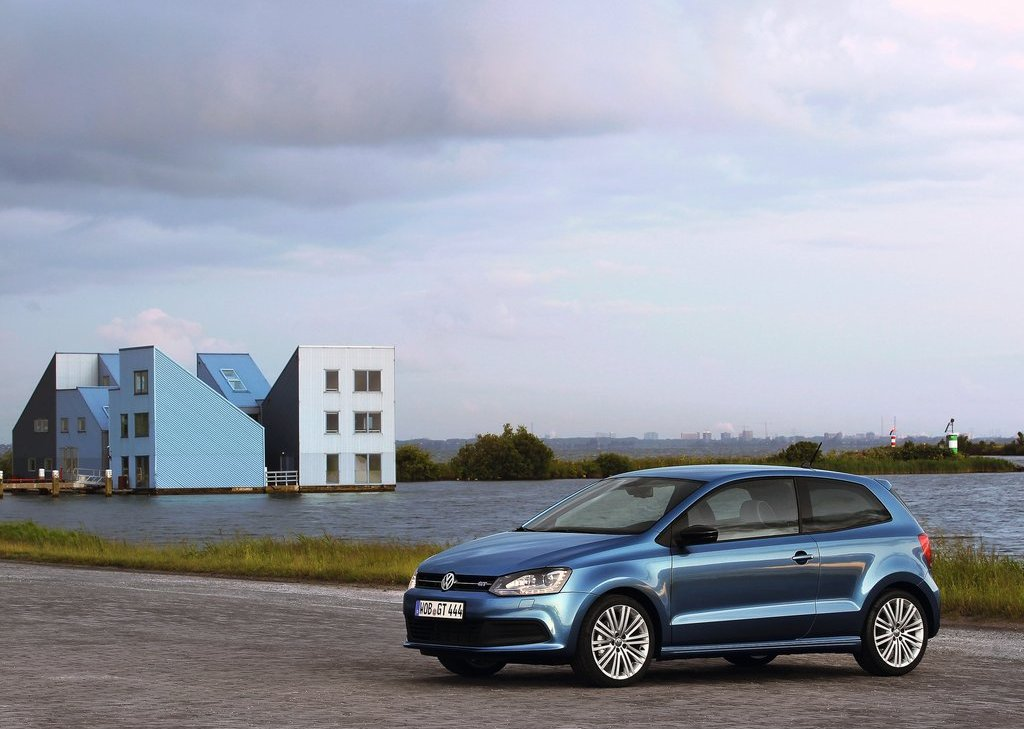 2013 Volkswagen Polo BlueGT (Photo 1 of 12)