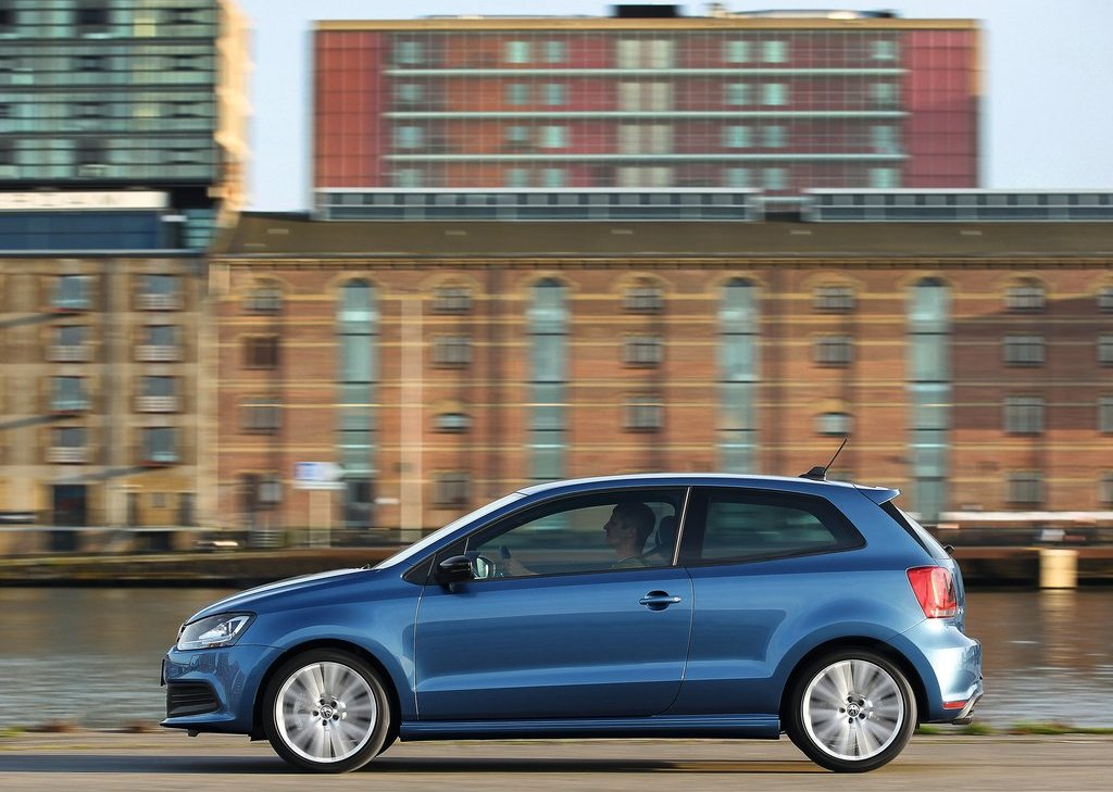 2013 Volkswagen Polo BlueGT Left Side (Photo 9 of 12)