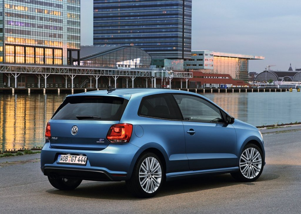 2013 Volkswagen Polo BlueGT Rear Angle (Photo 10 of 12)