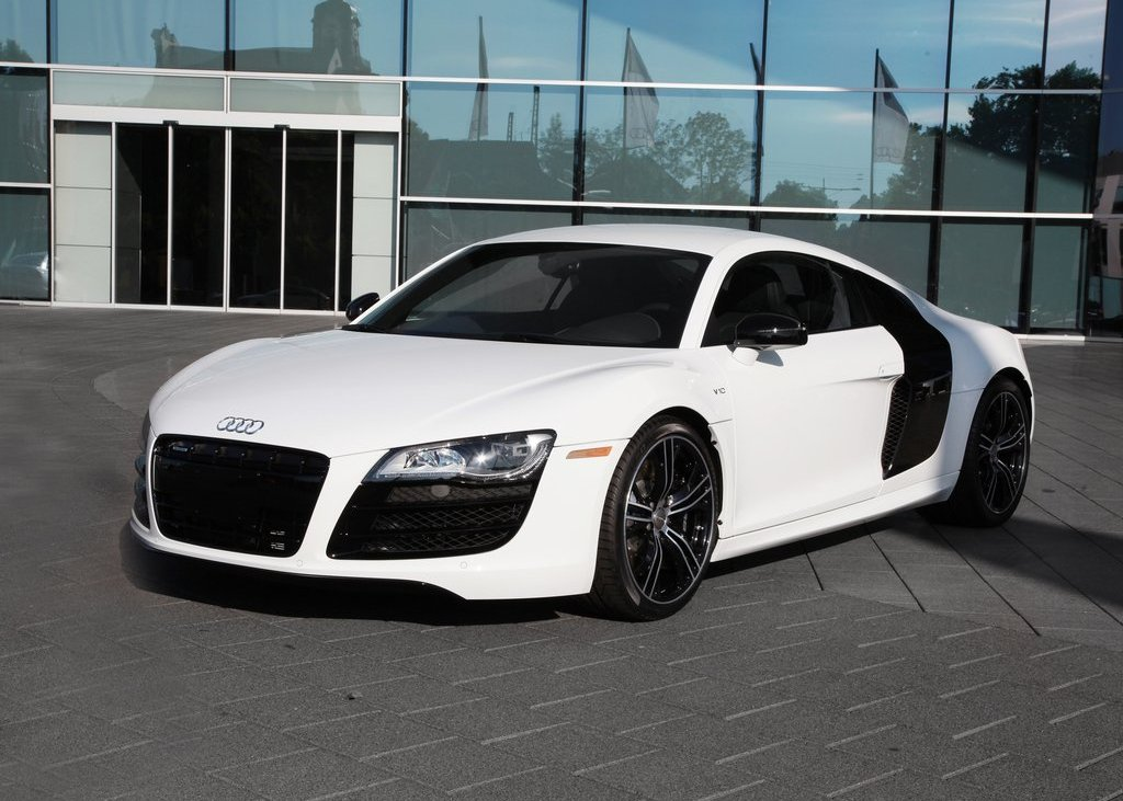 Featured Image of 2012 Audi R8 Exclusive Selection Price Review