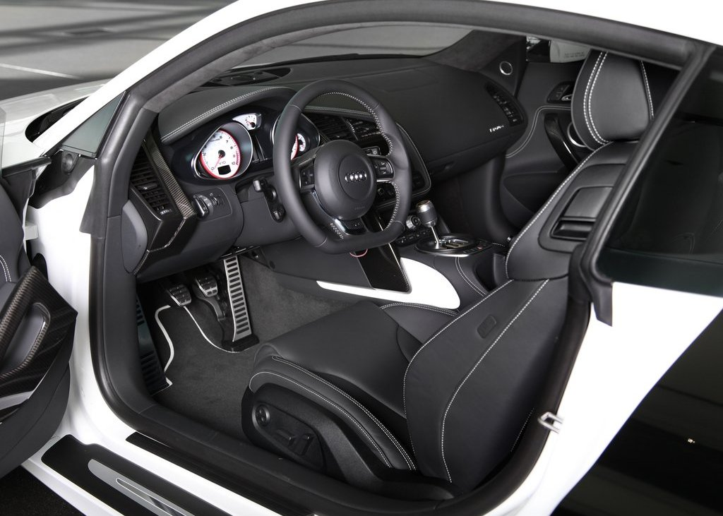 2012 Audi R8 Exclusive Selection Interior  (Photo 4 of 9)