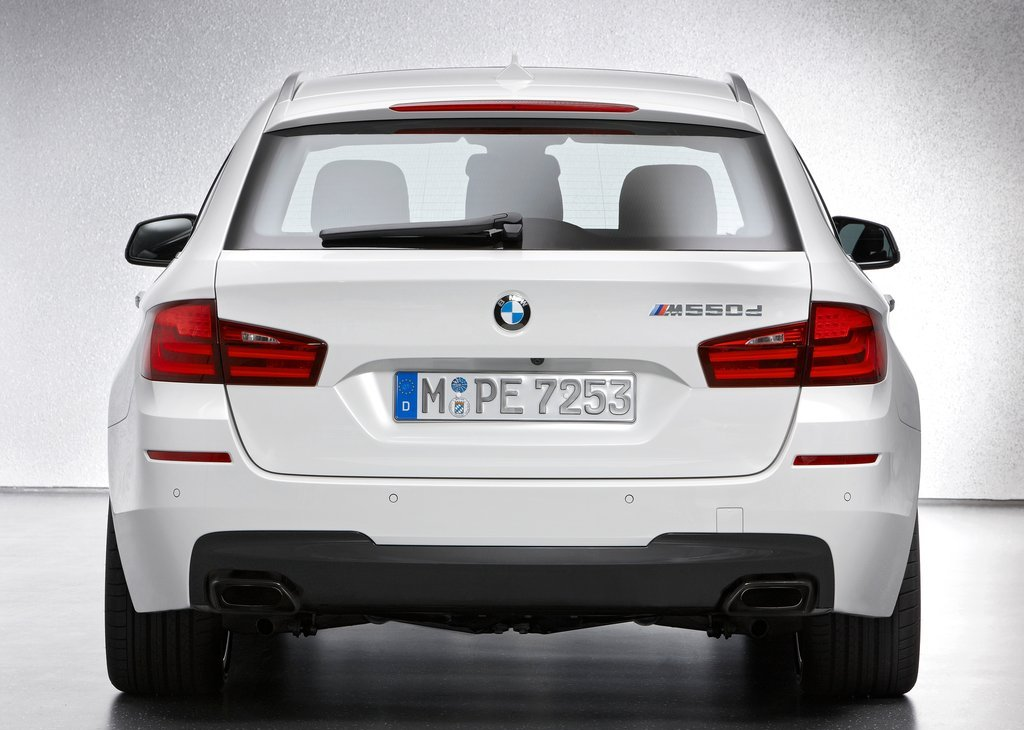 2013 BMW M550d XDrive Touring Rear (Photo 3 of 4)