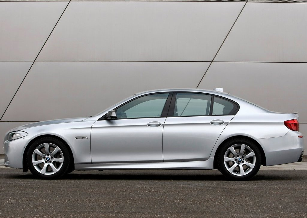 2013 BMW M550d XDrive Side (Photo 12 of 12)