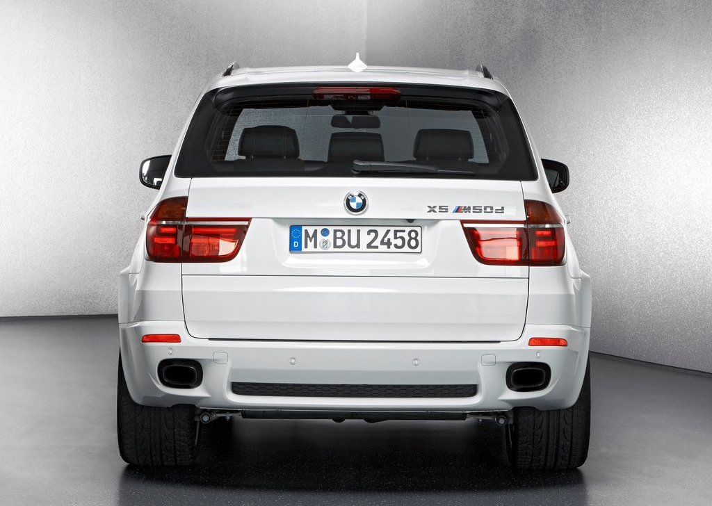 2013 BMW X5 M50d Rear View (View 4 of 6)