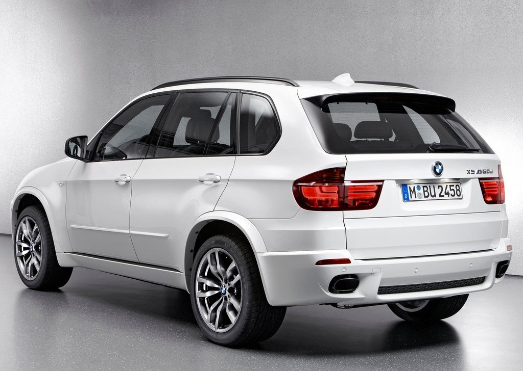 2013 BMW X5 M50d Rear (View 5 of 6)