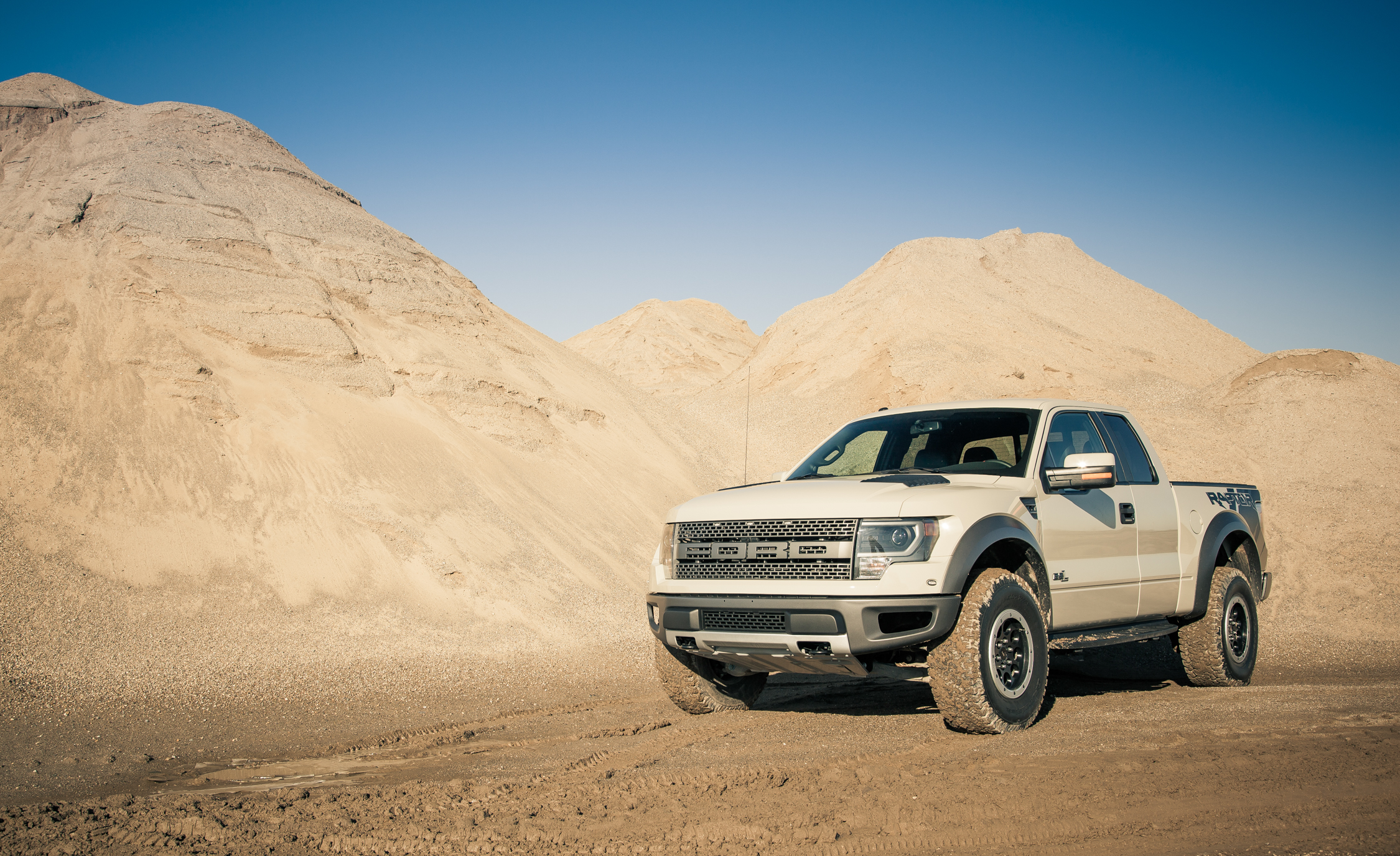 2013 Ford F 150 SVT Raptor (Photo 1 of 39)