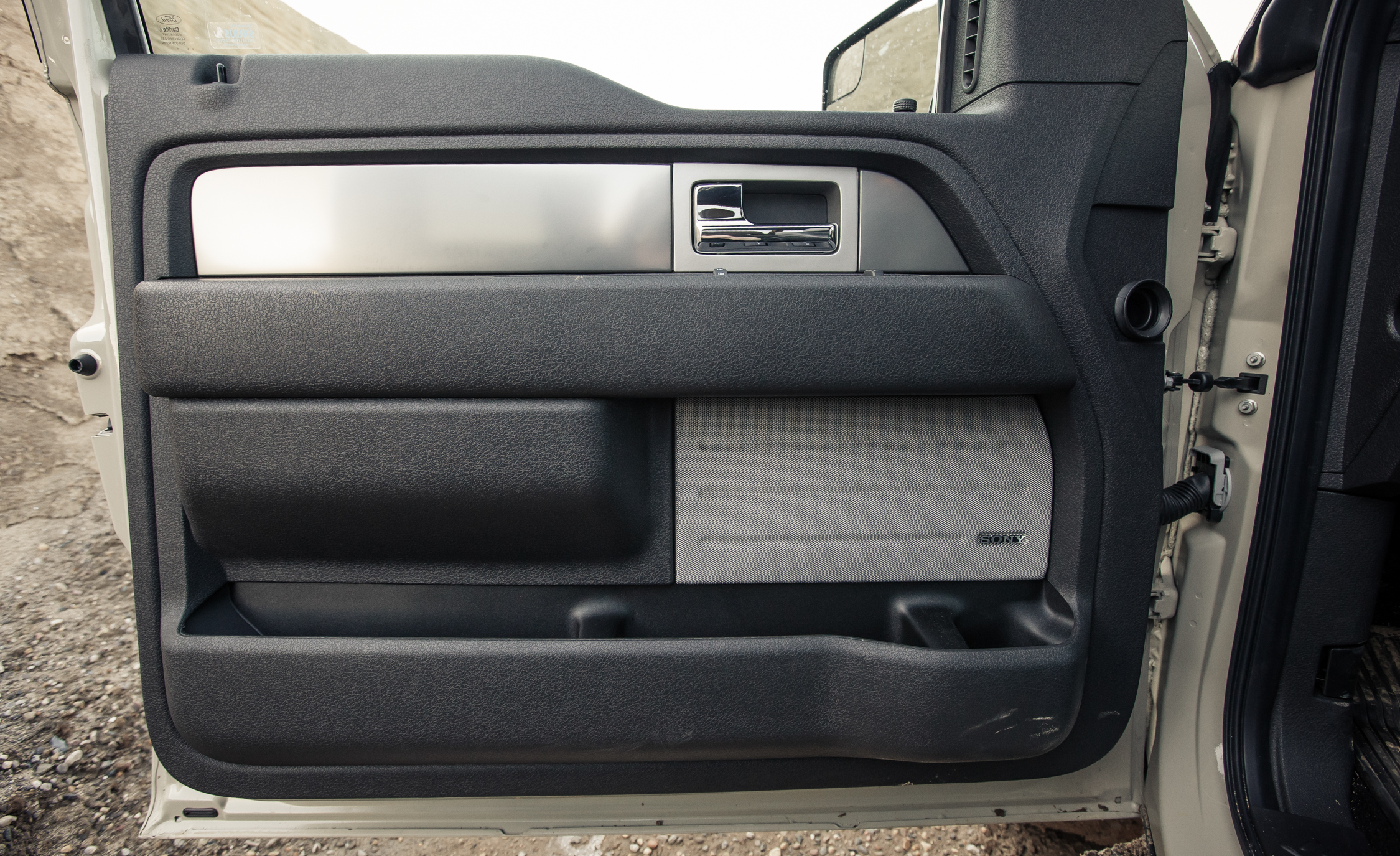 2013 Ford F 150 SVT Raptor SuperCab Interior View Door Panel (Photo 22 of 39)