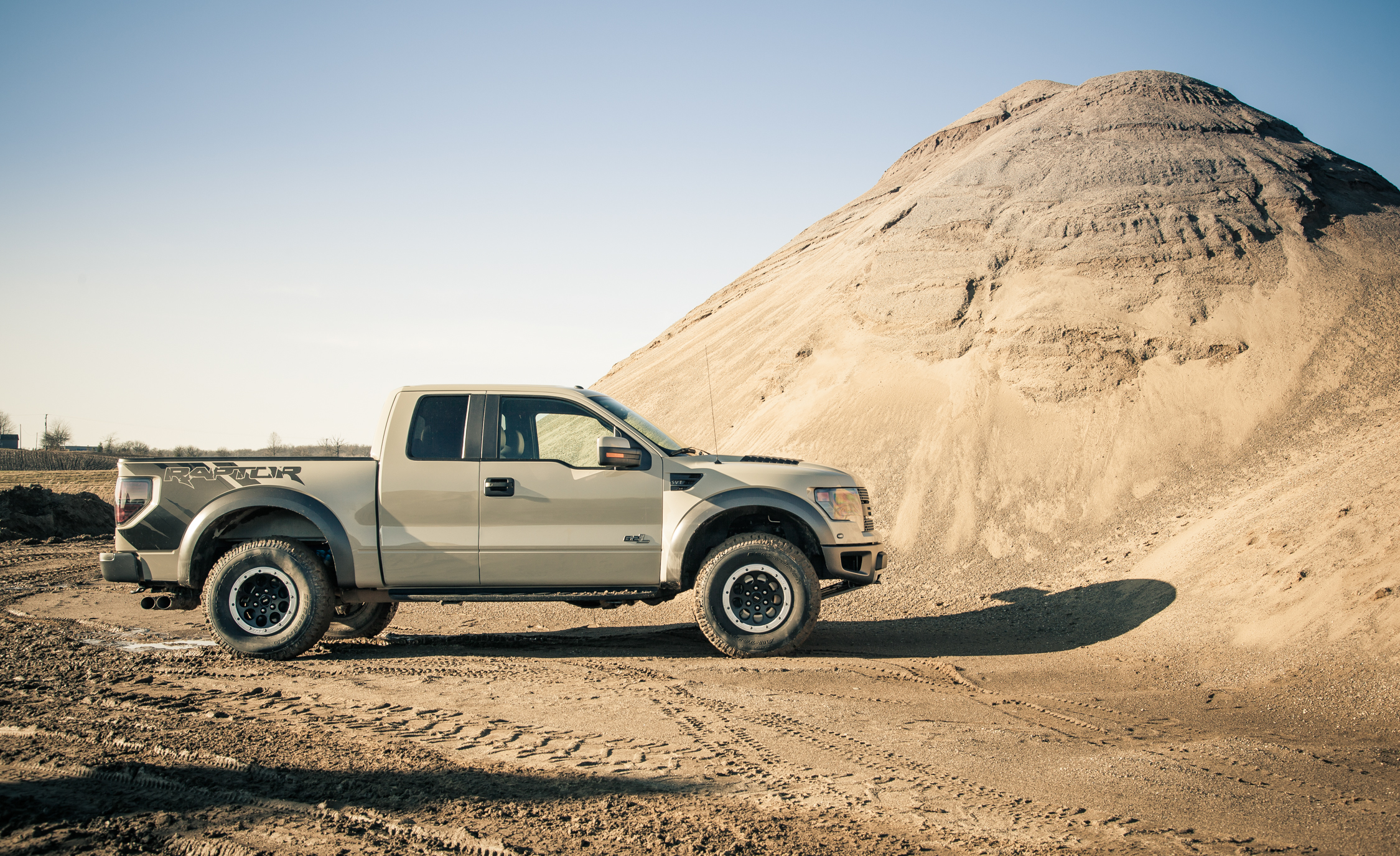 2013 Ford F 150 SVT Raptor Exterior (Photo 2 of 39)