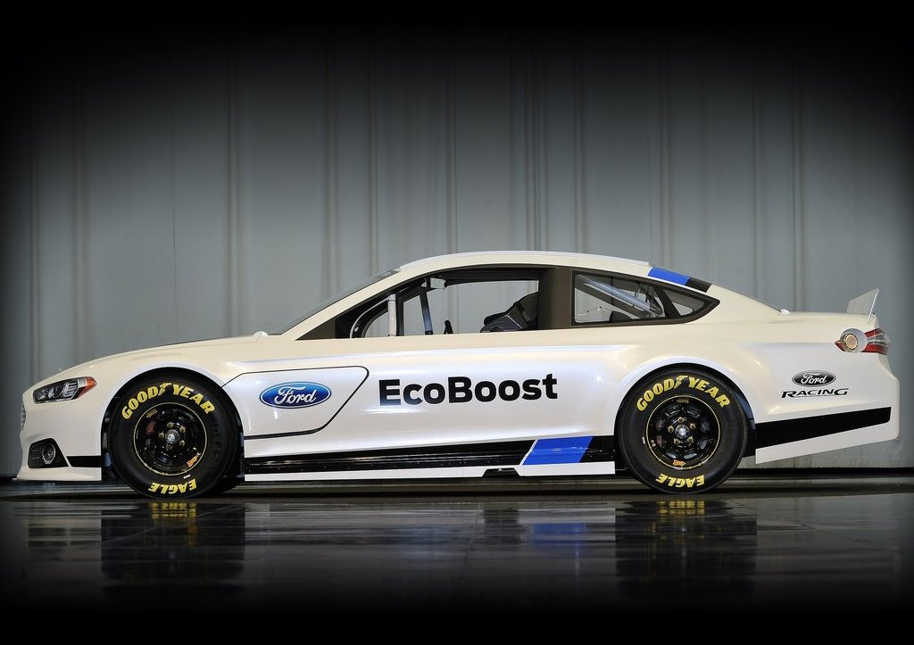 2013 Ford Fusion NASCAR Side (Photo 3 of 3)