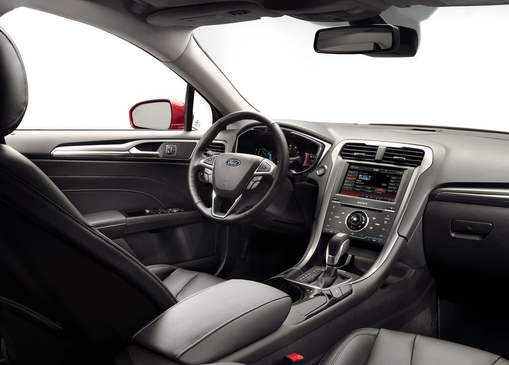 2013 Ford Fusion Interior (Photo 6 of 10)