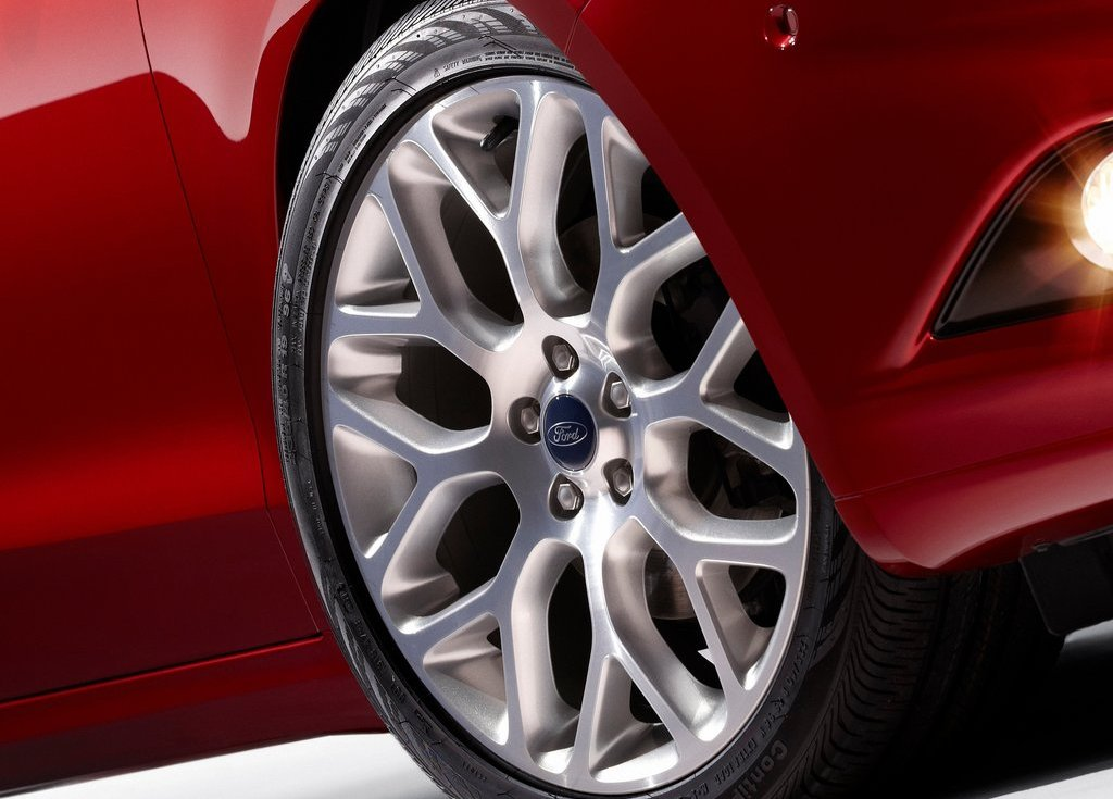 2013 Ford Fusion Wheels (Photo 9 of 10)
