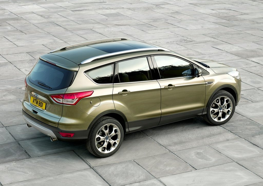 2013 Ford Kuga Rear Angle (Photo 9 of 13)