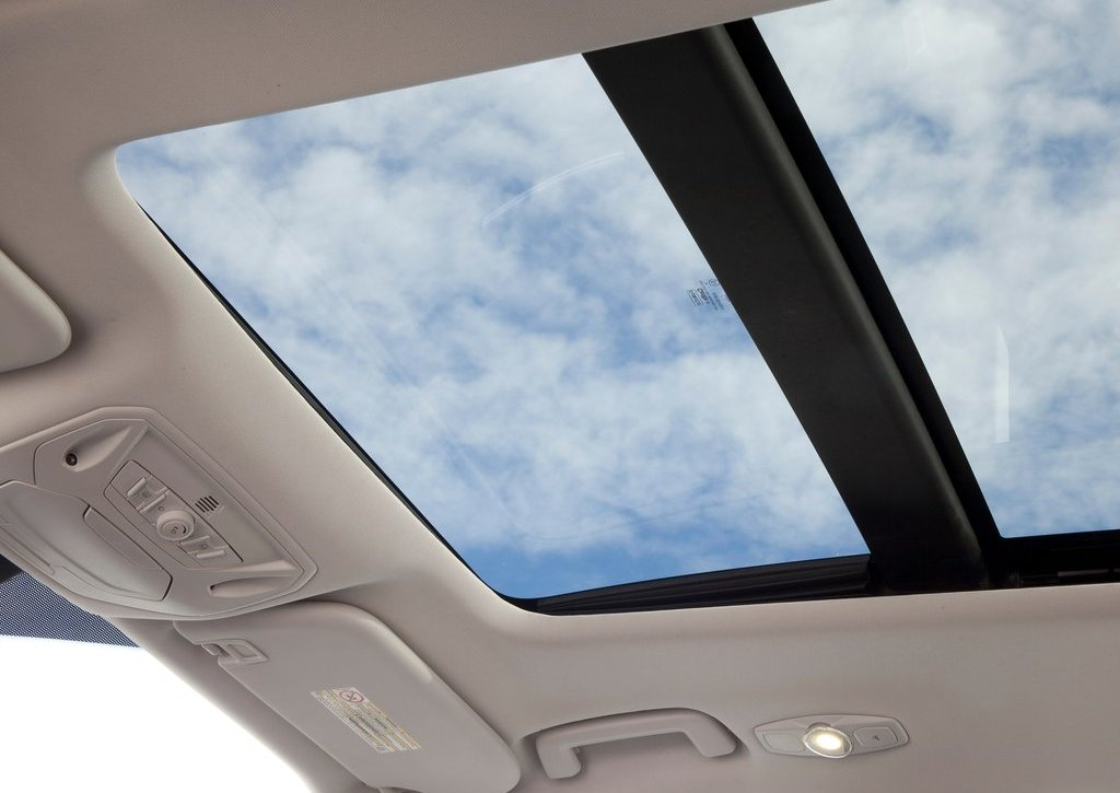 2013 Ford Kuga Roof (Photo 11 of 13)