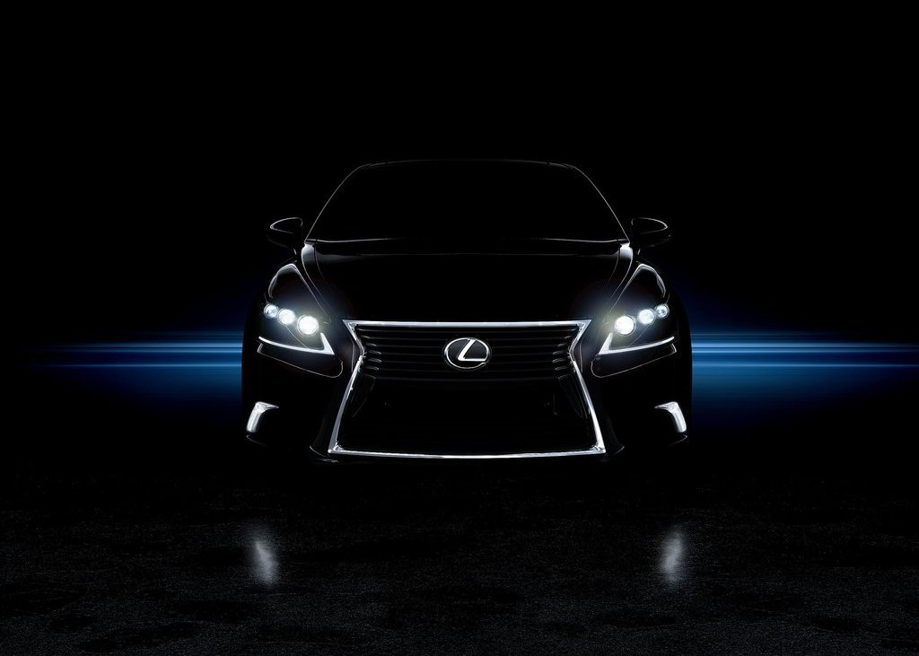 2013 Lexus LS 460 Sport F Front (Photo 2 of 4)