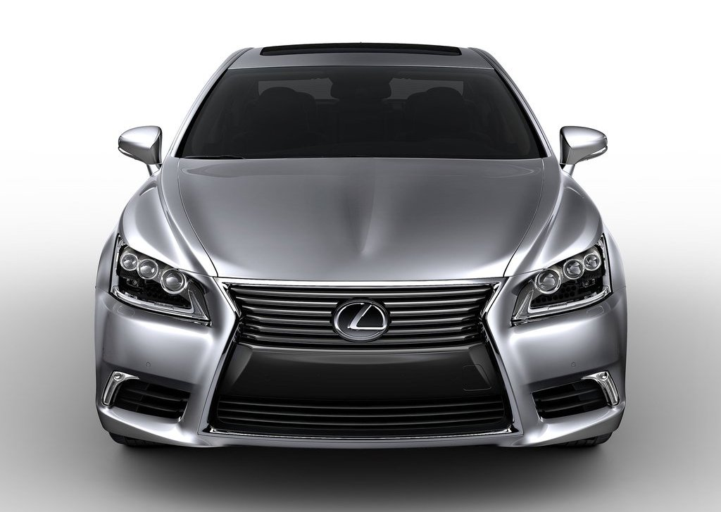 2013 Lexus LS 460 Front (Photo 3 of 14)