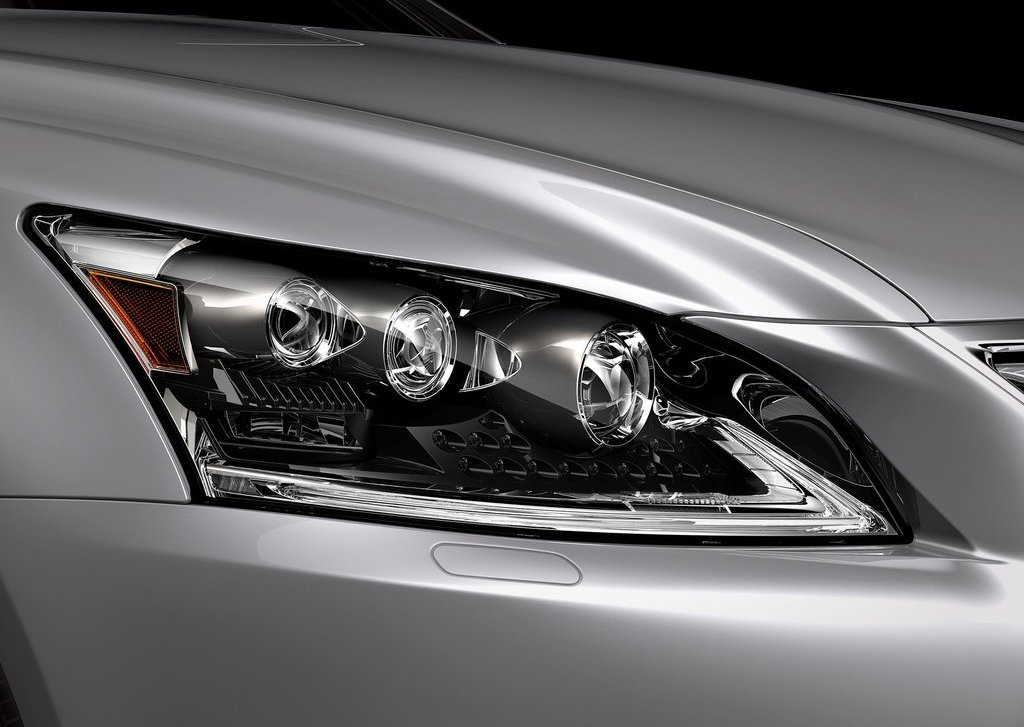 2013 Lexus LS 460 Head Lamp (Photo 4 of 14)