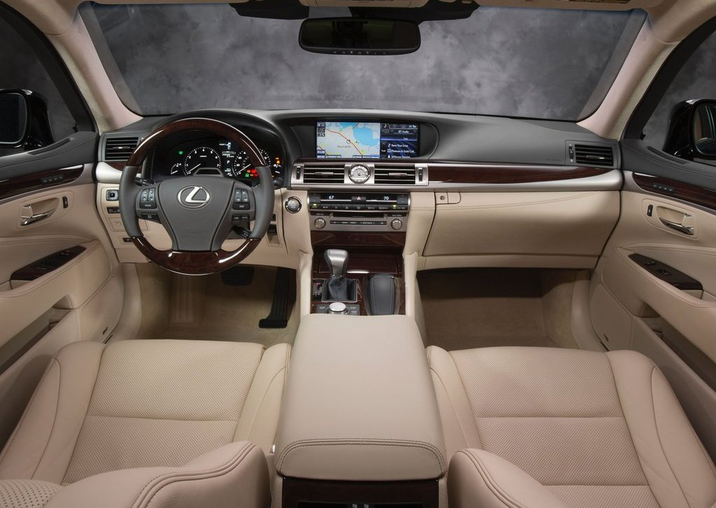 2013 Lexus LS 460 Interior (Photo 6 of 14)