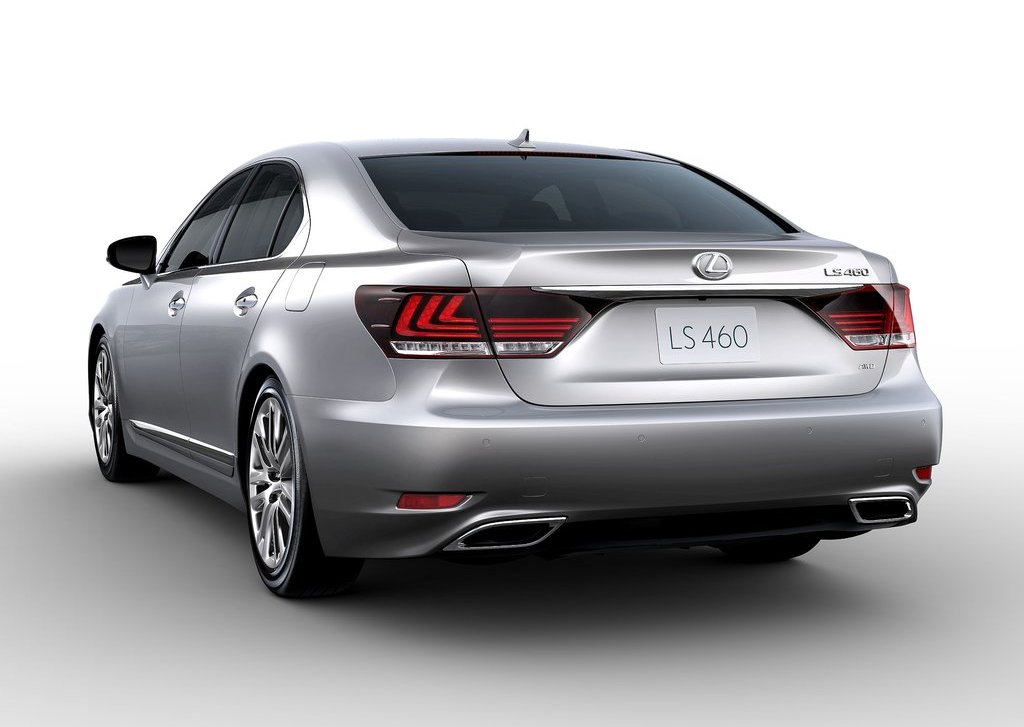 2013 Lexus LS 460 Rear (Photo 10 of 14)