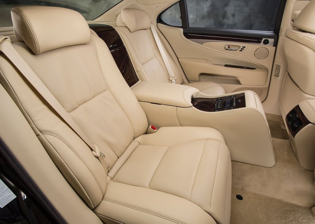2013 Lexus LS 460 Seat (Photo 12 of 14)