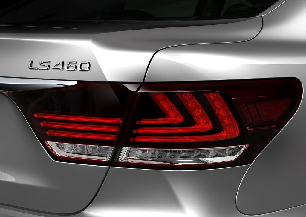 2013 Lexus LS 460 Tail Lamp (Photo 13 of 14)