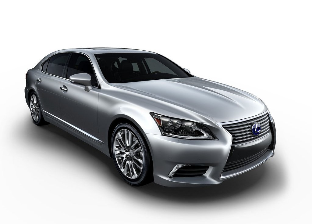 2013 Lexus LS 600h L Front Angle (Photo 3 of 8)